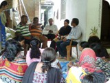 WA team interact with slum WASH committee members and inspire them to make their slum ODF